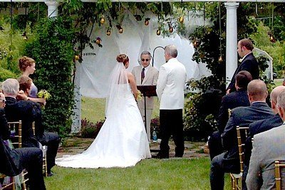 Justice  Peace Wedding Ceremony on Nh Justice Of The Peace John Scuto Performs A Spring Garden Wedding